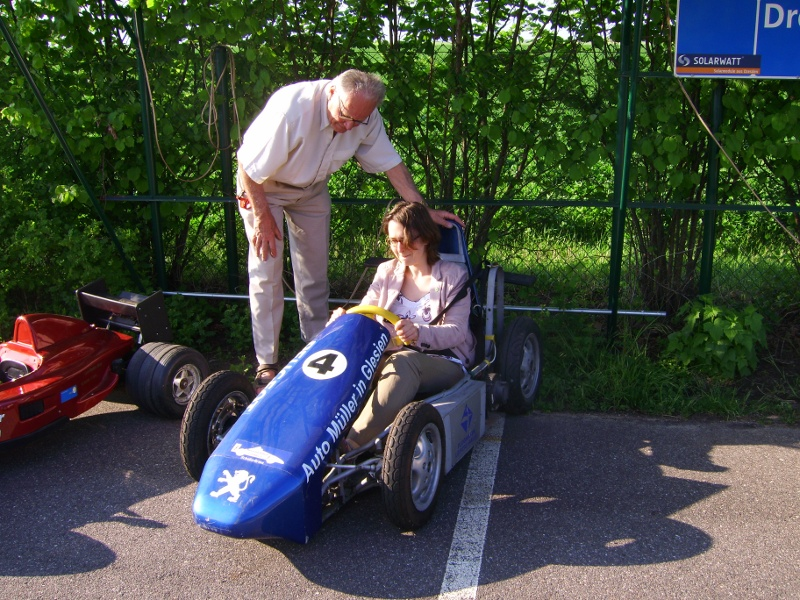 Landessprecherin Claudia Maicher testet Formel E